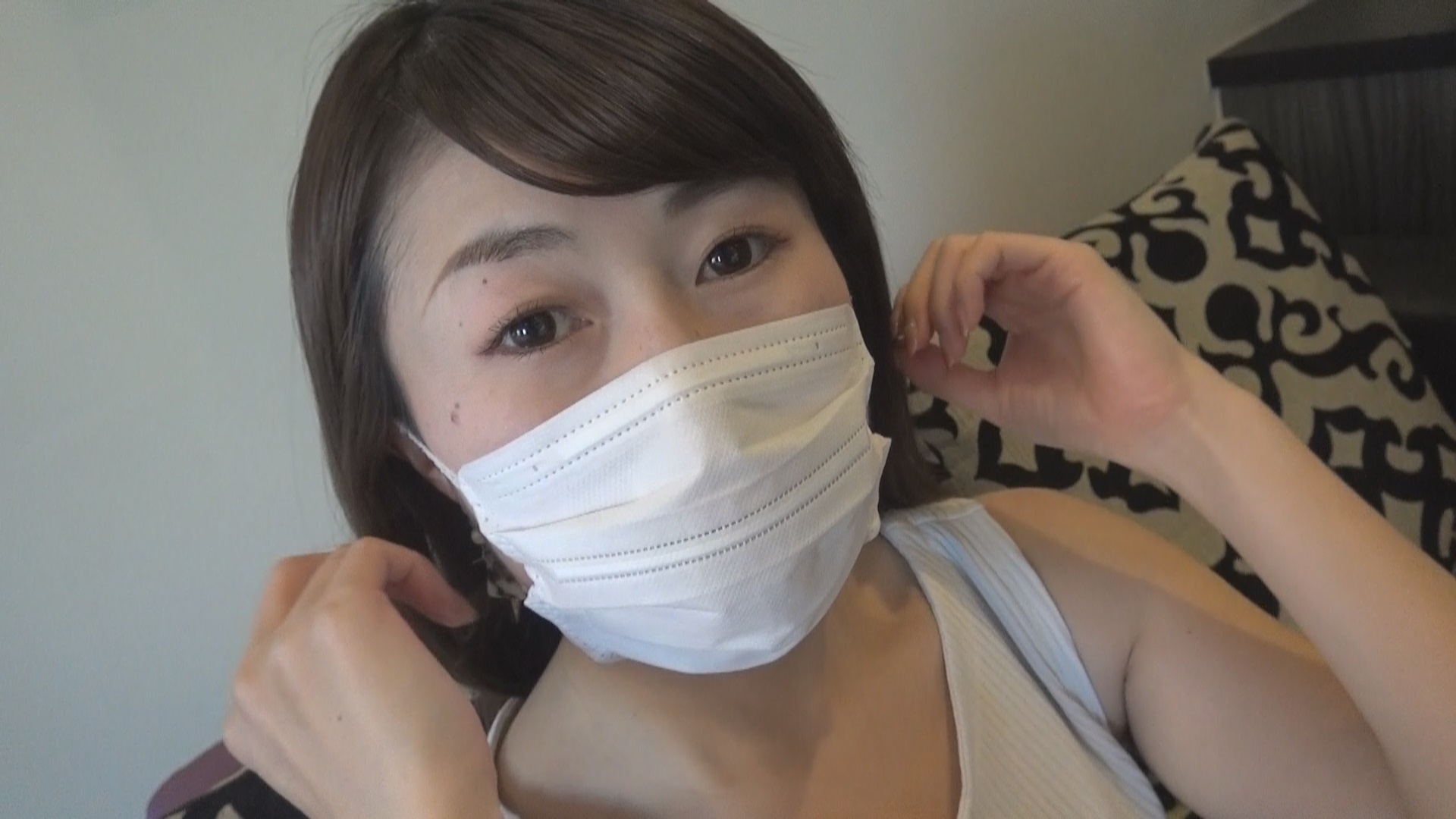FC2 PPV 1371636 Yoshi's 35-year-old Dirty Barrage Dirty Little Lady's Slender Beautiful Wife's Large Cum