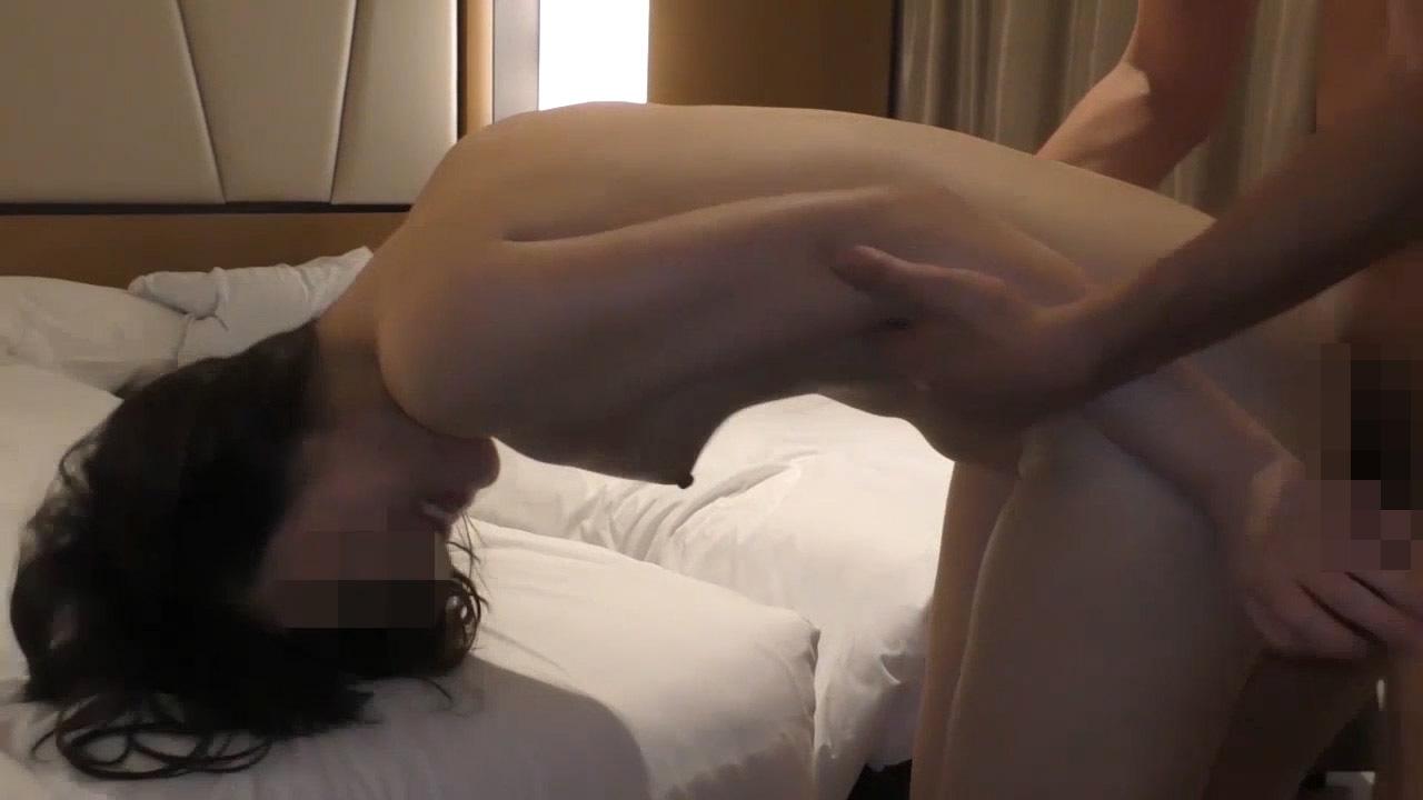 FC2 PPV 1268650 【個人撮影】調教中のM体質人妻 虐げられる程感じる体に2本の他人棒挿入