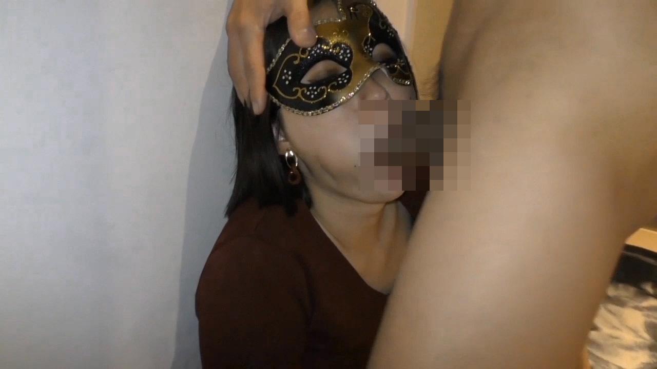 FC2 PPV 1599191 【個人撮影】満たしたいのは性欲だけ・・・ 38歳人妻の欲求を満たすため準備した他人棒 ①