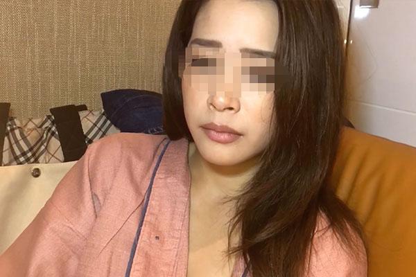 FC2 PPV 1139616 美形の奥様と日中旦那の目を盗み不倫。肉棒に植えた人妻は他人棒を舐めまわし他人の精液を浴びる。