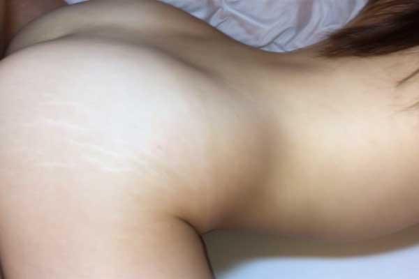 FC2 PPV 1154509 【顔ばれ特典付き】やっとアップできました。感度もよく声も可愛く、一途なように見える清楚な彼女も他人の肉棒を膣に挿入すると、淫乱な彼女の姿が垣間見える