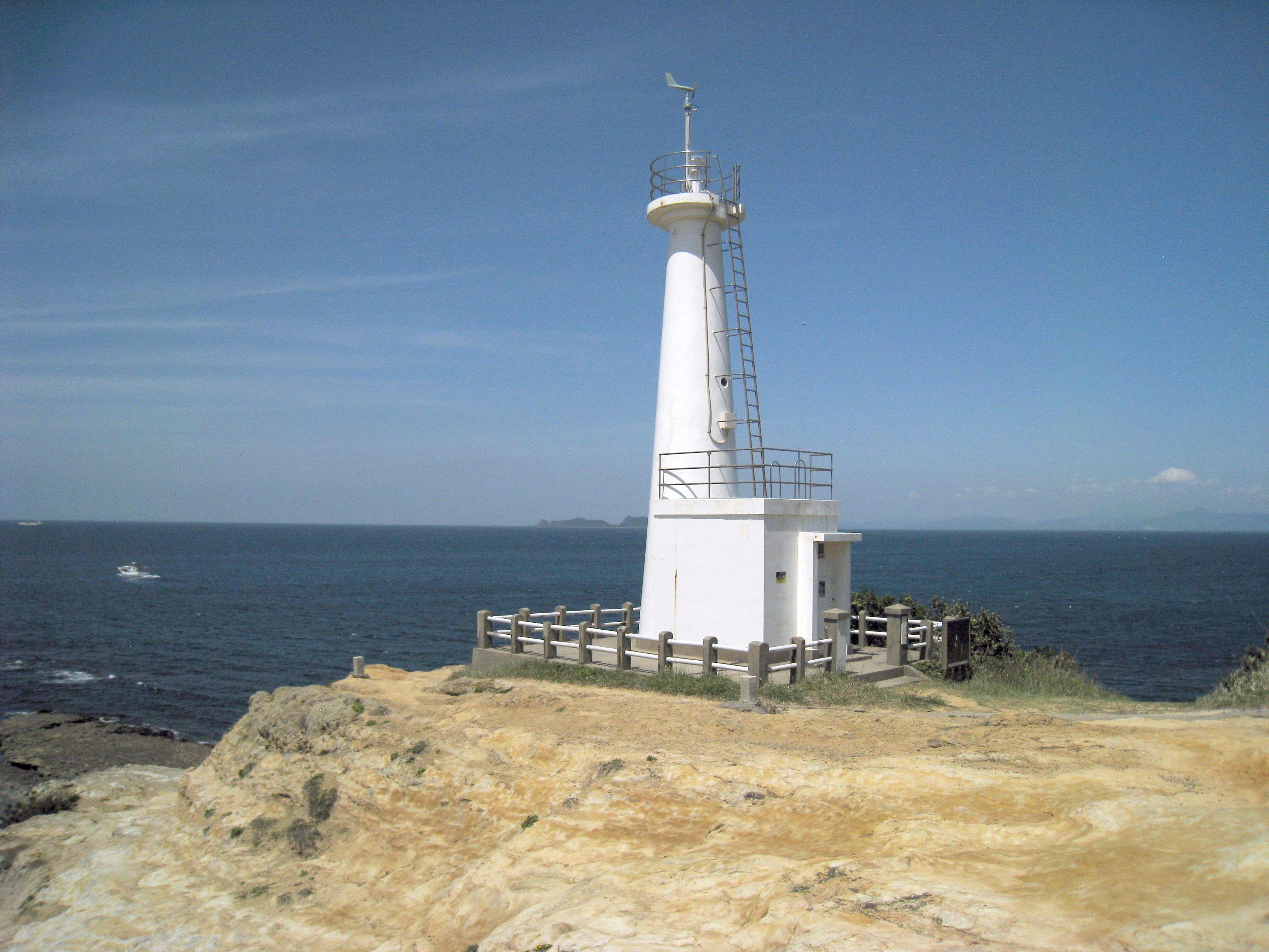 素材 海と灯台のある風景 著作権フリー…